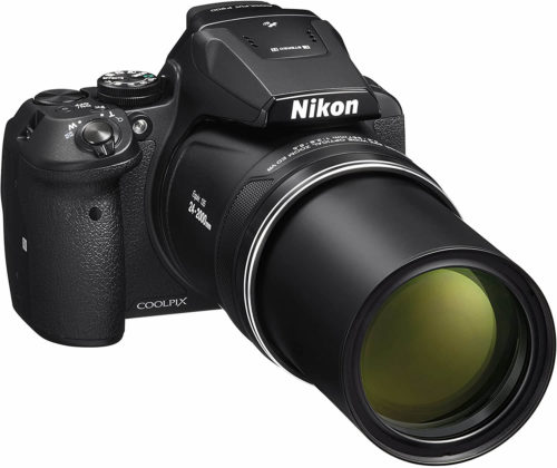side view of the Nikon coolpix p900 with the lens extended